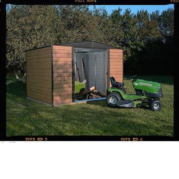 תמונה של מחסן מתכת דמוי עץ